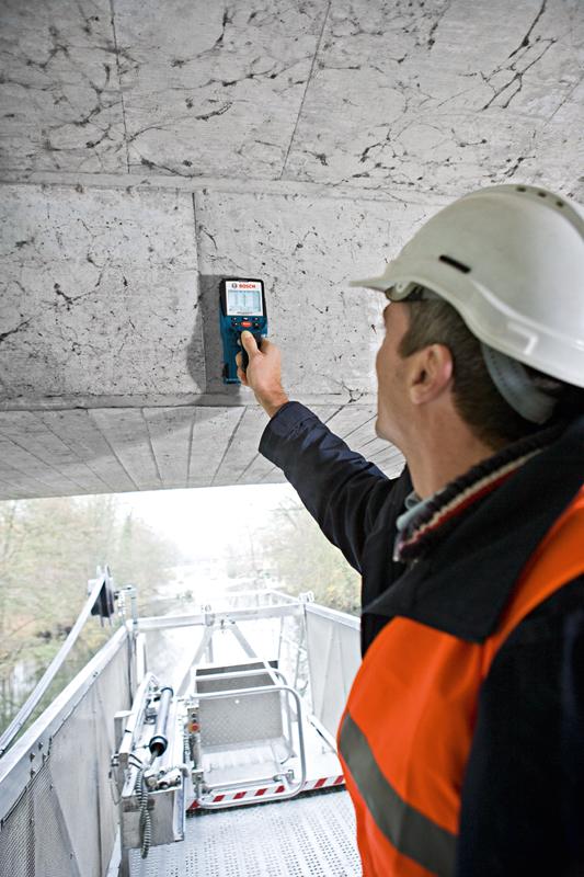 D Floor Scanner With Ultra Wide Band Radar